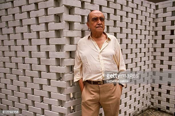 Oscar Niemeyer for the series Le ventre de l'architecte by photographer Catherine Cabrol.