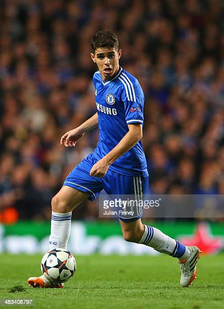 Oscar of Chelsea on the ball during the UEFA Champions League Quarter Final second leg match between Chelsea and Paris SaintGermain FC at Stamford...