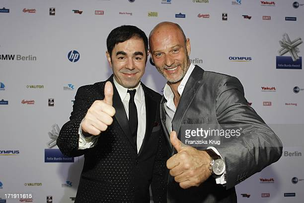 Oscar Ortega Sanchez Und Simon Licht Bei Der Verleihung Des Felix Burda Awards Im Hotel Adlon Kempinski In Berlin