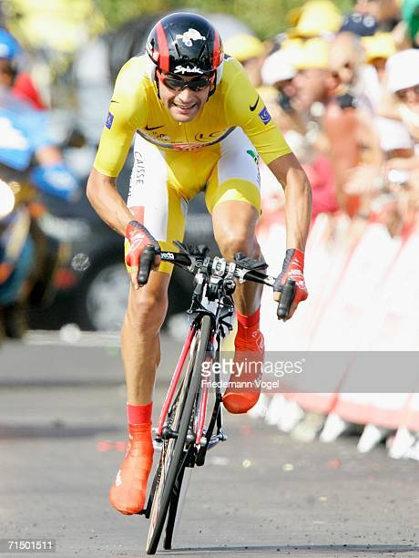 Oscar Pereiro Sio of Spain and Caisse d'Epargne in action during Stage 19 time trial of the 93rd Tour de France between Le Creusot and...