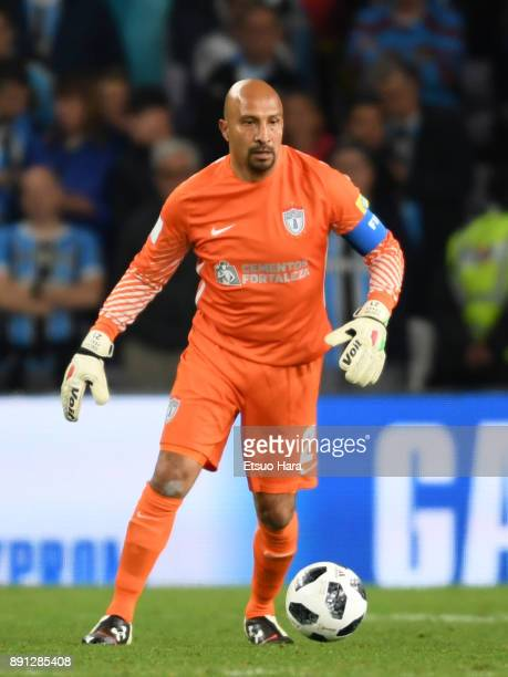 Oscar Perez of CF Pachuca in action during the FIFA Club World Cup UAE 2017 semifinal match between Gremio FBPA and CF Pachuca on December 12 2017 in...