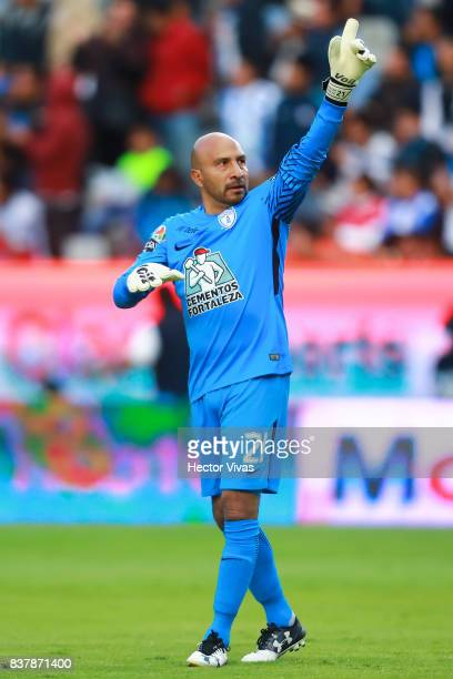 Oscar Perez of Pachuca celebrates after Angelo Sagal scored the first goal of his team during the sixth round match between Pachuca and Veracruz as...