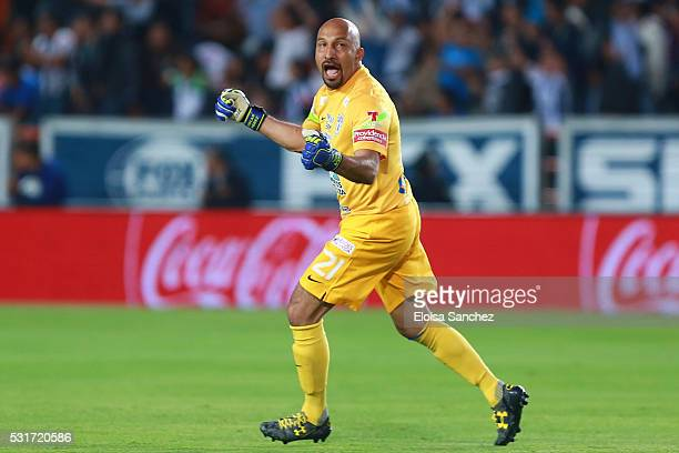 Oscar Perez of Pachuca celebrates after the first goal during the quarter finals second leg match between Pachuca and Santos Laguna as part of the...