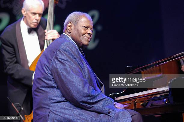 Oscar Peterson performs on stage at The North Sea Jazz Festival on July 10 2005 in The Hague, Netherlands.