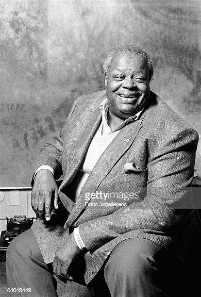 Oscar Peterson poses at home on May 1 1991 in Missisauga, Canada.