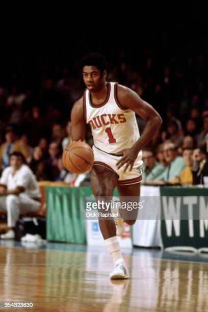 Oscar Robertson of the Milwaukee Bucks handles the ball circa 1972 at the Milwaukee Arena in Milwaukee Wisconsin NOTE TO USER User expressly...