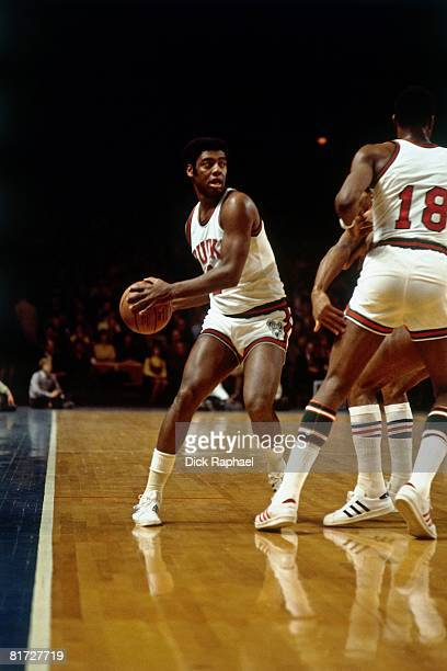 Oscar Robertson of the Milwaukee Bucks looks to make a move during a game circa 1972 at the Bradley Center in Milwaukee Wisconsin NOTE TO USER User...
