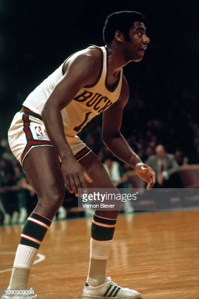 Oscar Robertson of the Milwaukee Bucks plays defense against the Los Angeles Lakers on December 21, 1970 at the Milwaukee Arena in Milwaukee,...