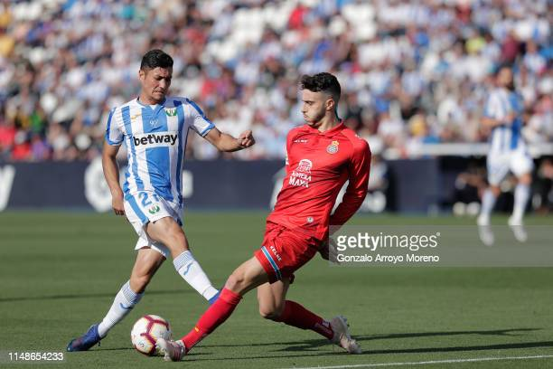 Oscar Rodriguez Arnaiz of Deportivo Leganes is blocked by Mario Hermoso of RCD Espanyol during the La Liga match between CD Leganes and RCD Espanyol...