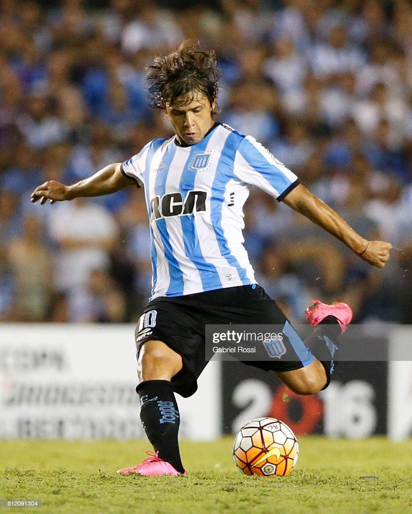 Racing Club v Bolivar - Copa Bridgestone Libertadores 2016