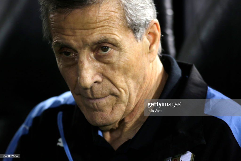 Oscar Tabarez coach of Uruguay looks on during a match between Paraguay and Uruguay as part of FIFA 2018 World Cup Qualifiers at Defensores del Chaco Stadium on September 05, 2017 in Asuncion, Paraguay.