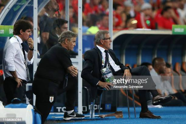 Oscar Tabarez head coach of Uruguay looks on during the Copa America Brazil 2019 group C match between Chile and Uruguay at Maracana Stadium on June...