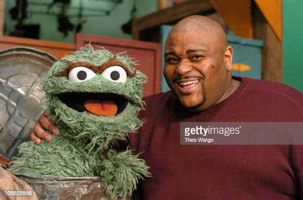 Oscar the Grouch and Ruben Studdard during American Idol Winner Ruben Studdard Sings the Alphabet Song with Elmo on Sesame Street This Piece will air...