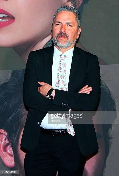 Oscar Uriel attends La Vida Inmoral De La Pareja Ideal premiere and red carpet at Teatro Metropolitano on October 19 2016 in Mexico City Mexico