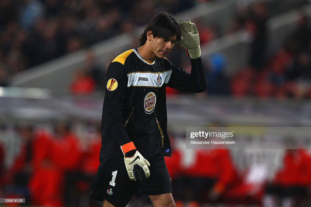 Oscar Ustari, keeper of Getafereacts after the UEFA Europa League group H match between VfB Stuttgart and Getafe CF at Mercedes-Benz Arena on October 21, 2010 in Stuttgart, Germany.