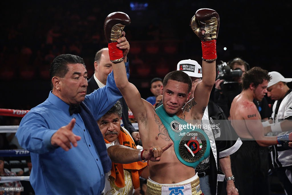Oscar Valdez v Noel Echevarria : News Photo