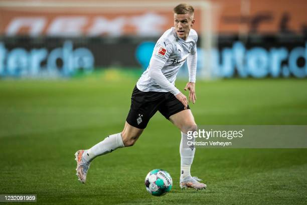Oscar Wendt of Borussia Moenchengladbach in action during the Bundesliga match between Borussia Moenchengladbach and SC Freiburg at Borussia-Park on...