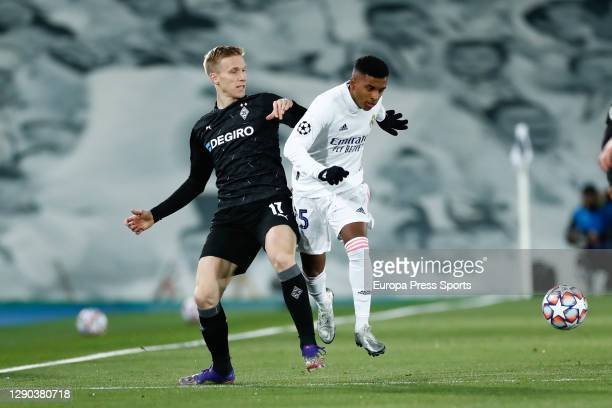 Oscar Wendt of Monchengladbach and Rodrygo Silva de Goes of Real Madrid in action during the UEFA Champions League Group B stage match between Real...