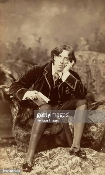 Oscar Wilde 1882 Artist Napoleon Sarony
