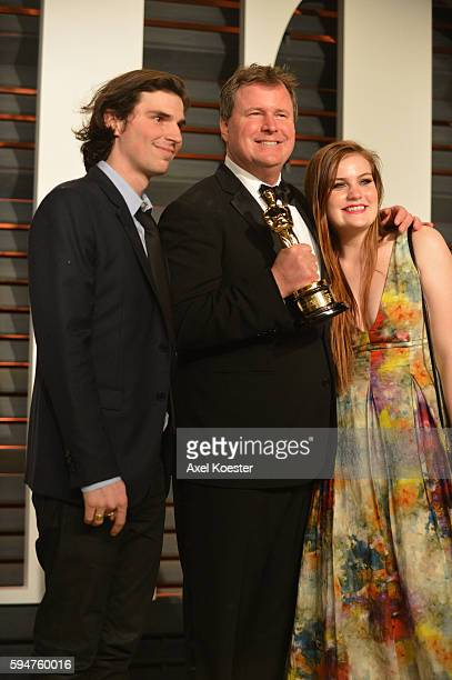 Oscar winners attend the 2015 Vanity Fair Oscar Party hosted by Graydon Carter at the Wallis Annenberg Center for the Performing Arts on February 22...