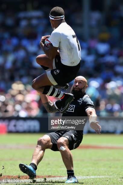 Osea Kolinisau of Fiji catches the ball during the Cup Quarter Final match between New Zealand and Fiji in the 2017 HSBC Sydney Sevens at Allianz...