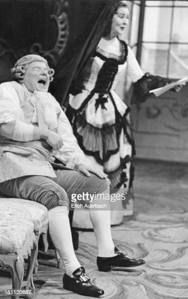 Oskar Czerwenka and Nancy Evans in 'Der Rosenkavalier' by Strauss at the Glyndebourne Festival Opera in East Sussex, 26th May 1959. The opera is Carl...