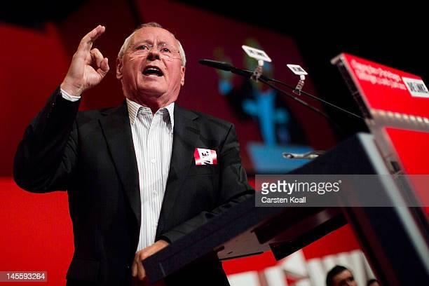 Oskar Lafontaine former head of the farleft party Die Linke speaks at the party's annual congress on June 2 2012 in Goettingen Germany Party members...
