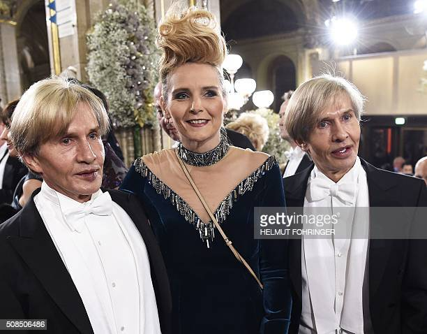 Oskar Wess und Arnold Wess and Helena Fuerst pose during the Vienna Opera Ball 2016 on February 16 at the State Opera in Vienna / AFP / APA / HELMUT...