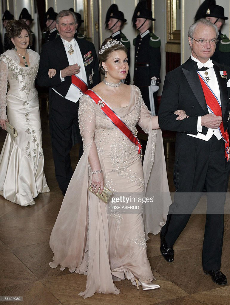 Grand Duchess Maria Teresa (2ndR) and Ki... : News Photo