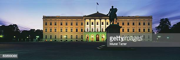 oslo, norway - royal palace oslo stock pictures, royalty-free photos & images