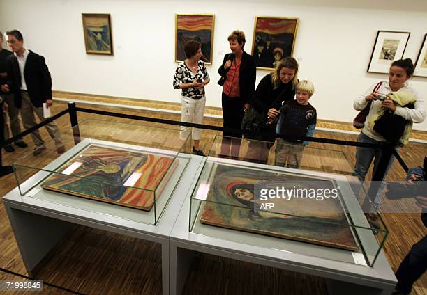 The Edward Munch masterpieces ' The Scream' and 'Madonna' are shown to the press 26 September 2006 in Oslo on their eve of their exhibition at The...