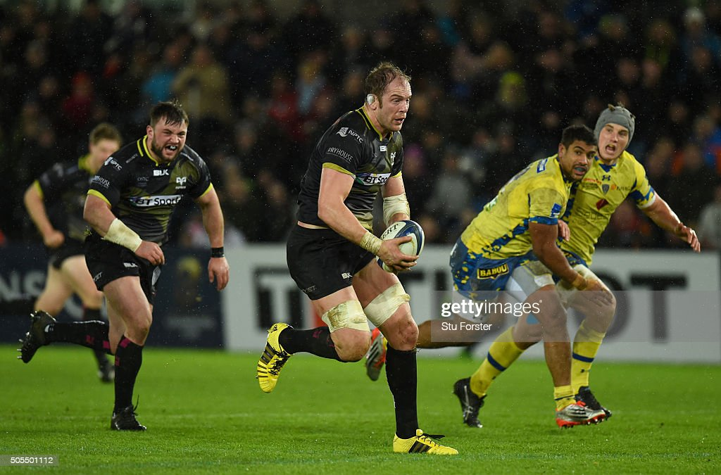Ospreys player Alun Wyn Jones in action during the European Rugby Champions Cup Pool 2 match between Ospreys v ASM Clermont Auvergne at Liberty Stadium on January 15, 2016 in Swansea, Wales.