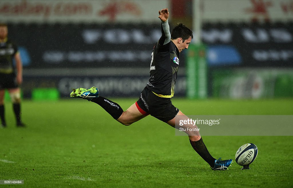Ospreys v ASM Clermont Auvergne - European Rugby Champions Cup : Foto jornalística
