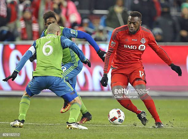 Osvaldo Alonso of the Seattle Sounders defends against Jozy Altidore of the Toronto FC during the 2016 MLS Cup at BMO Field on December 10 2016 in...