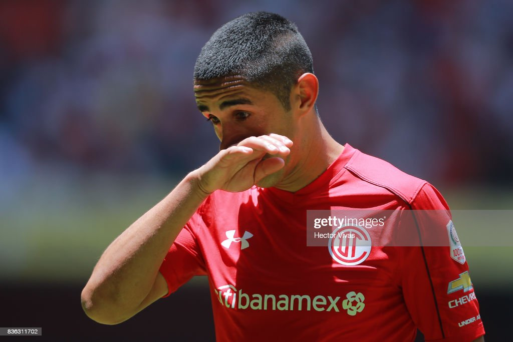 Osvaldo Gonzalez of Toluca reacts during the fifth round match between Toluca and Necaxa as part of the Torneo Apertura 2017 Liga MX at Nemesio Diez Stadium on August 20, 2017 in Toluca, Mexico.
