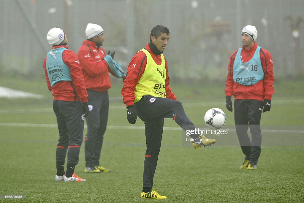 Osvaldo Gonzalez plays with the ball during a training at Spiserwies stadium November 13, 2012 in Sait Gallen, Switzerland. Chile will play a friendly match against Serbia on November 14th.
