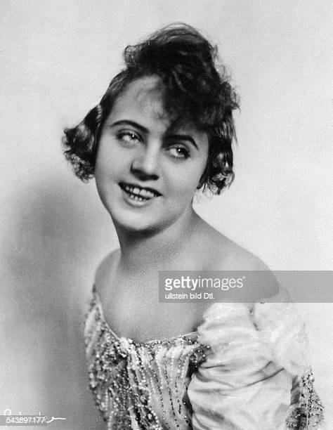 Oswalda Ossi Actress Germany*02021897 nee Oswalda Staeglich Photographer Atelier Binder 1921Vintage property of ullstein bild