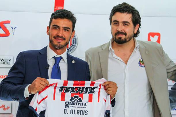 MEX: Chivas Unveils New Signing Oswaldo Alanis