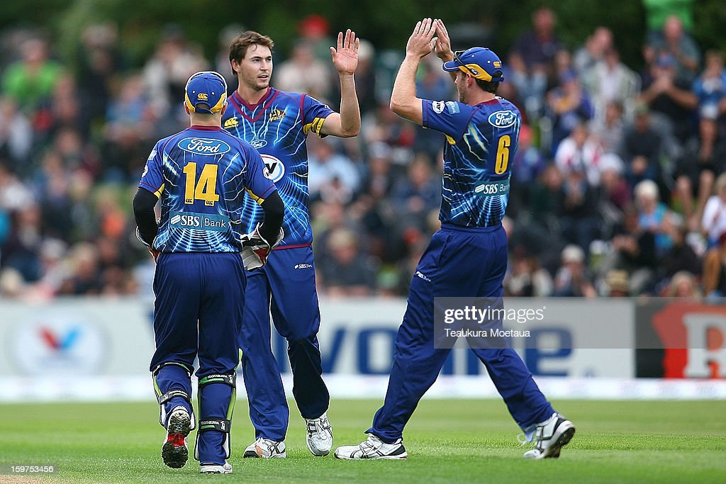 Otago celebrate a wicket during the HRV T20 Final match between the Otago Volts and the Wellington Firebirds at University Oval on January 20, 2013 in Dunedin, New Zealand.