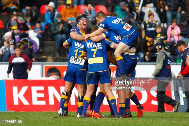 Otago celebrate winning the Ranfurly Shield after the final whistle in the round 3 Mitre 10 Cup match between Taranaki and Otago at TET Stadium &...