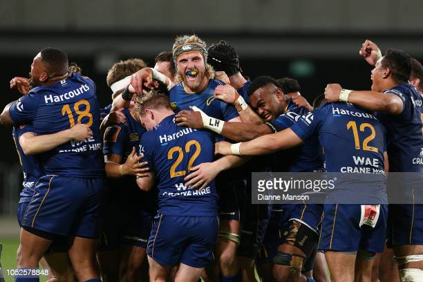 Otago players celebrate their victory during the Mitre 10 Cup Championship Semi Final match between Otago and Hawke's Bay on October 20, 2018 in...