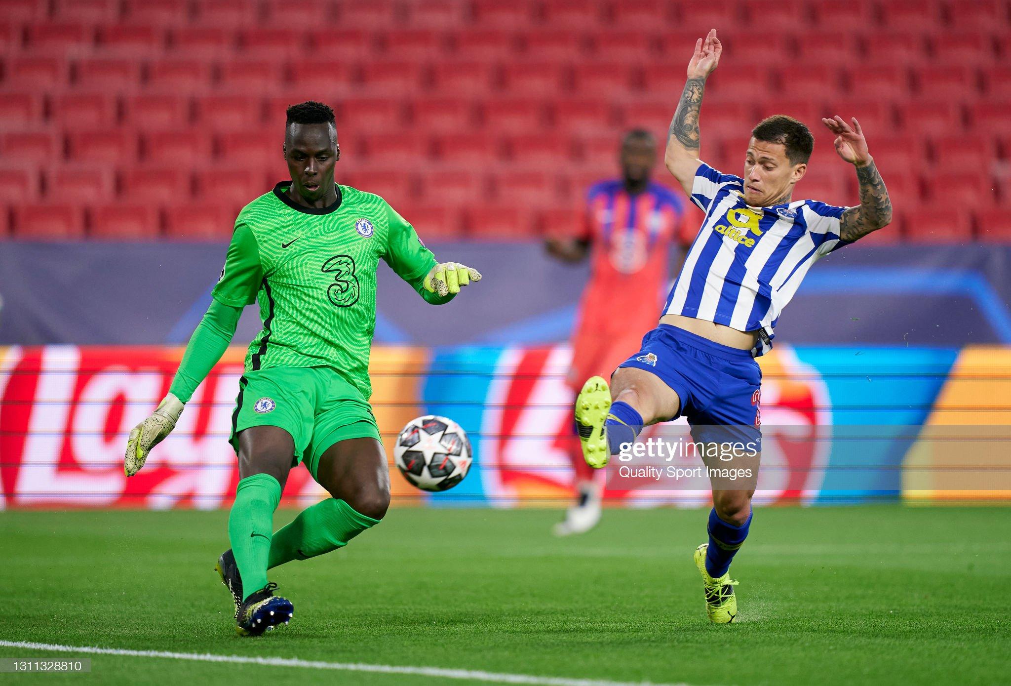 FC Porto v Chelsea FC  - UEFA Champions League Quarter Final 3: Leg One : News Photo