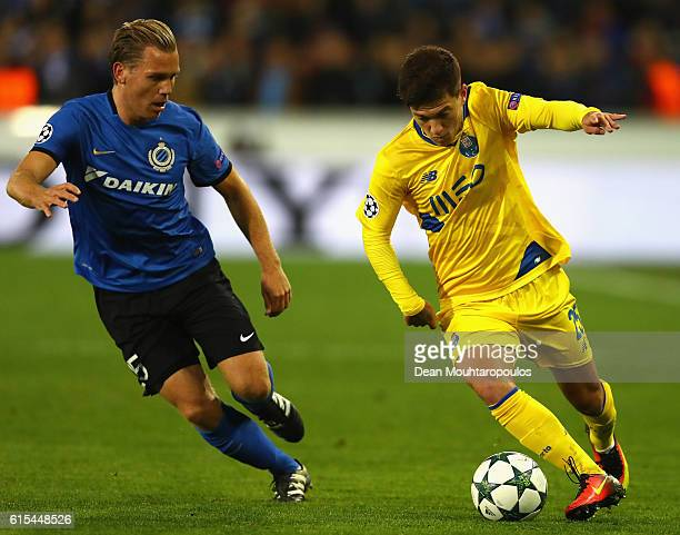 Otavio of FC Porto and Ruud Vormer of Club Brugge compete for the ball during the UEFA Champions League Group G match between Club Brugge KV and FC...