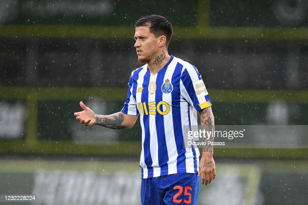 Otavio of FC Porto in action during the Liga NOS match between CD Tondela and FC Porto at Estadio Joao Cardoso on April 10, 2021 in Tondela,...