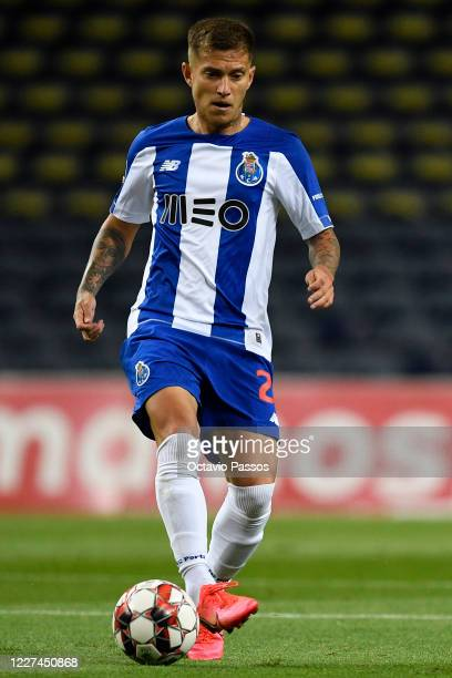 Otavio of FC Porto in action during the Liga Nos match between FC Porto and Sporting CP at Estadio do Dragao on July 15, 2020 in Porto, Portugal.