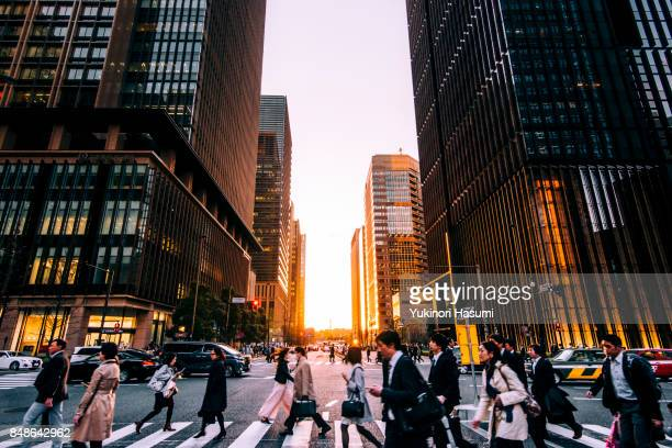 ote-machi at dusk - japan stock pictures, royalty-free photos & images
