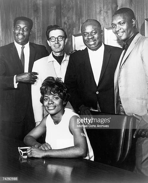 Otis Reddin Jim Stewart Rufus Thomas Booker T Jones and Carla Thomas pose for a portrait after recording the hit duet 'Tramp' that featured Carla and...