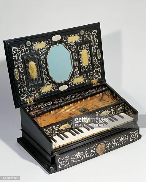 Ottavino spinet ebony veneer applied silver ornament 17th century London Victoria And Albert Museum