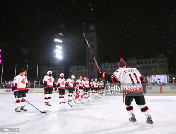 Ottawa Senators alumni Daniel Alfredsson salutes the crowd during the 2017 Scotiabank NHL100 Classic Ottawa Senators Alumni Game on Parliament Hill...