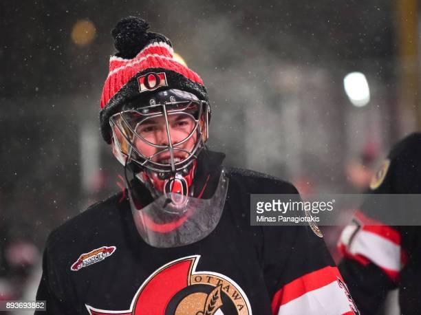Ottawa Senators alumni Pascal Leclaire warms up before the 2017 Scotiabank NHL100 Classic Ottawa Senators Alumni Game on Parliament Hill on December...